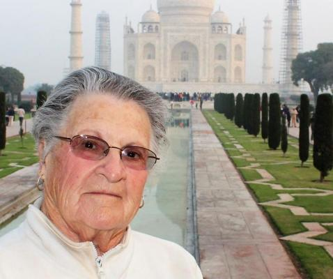 Travel Ambassador Marilyn Foster in front of the Taj Mahal